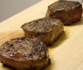 steaks-1235432_640